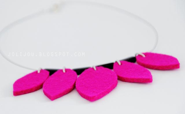 felt leaf necklace